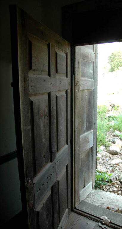 sidedoor4.jpg